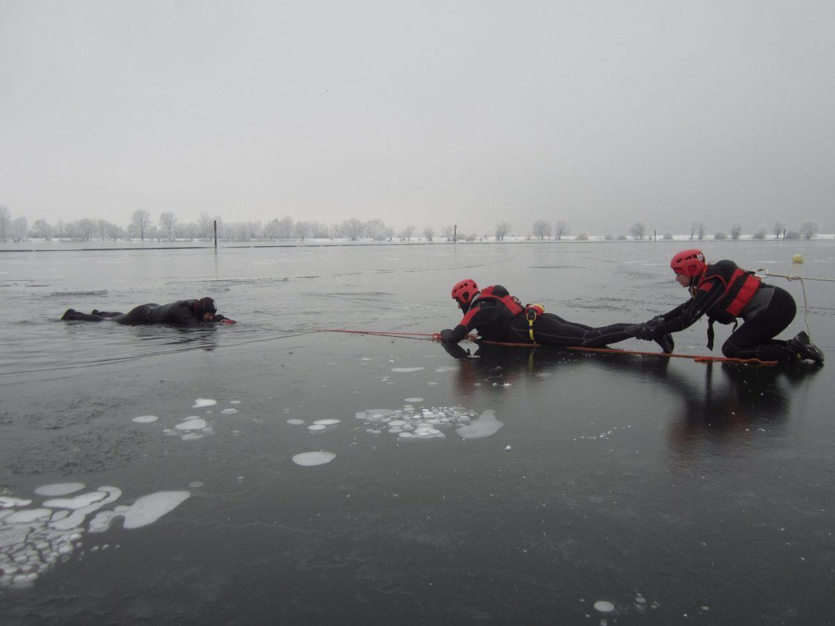 Die Gefahr lauert auf dem Eis