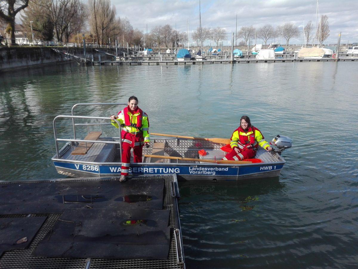 Übungsausfahrt mit dem Hochwasserboot